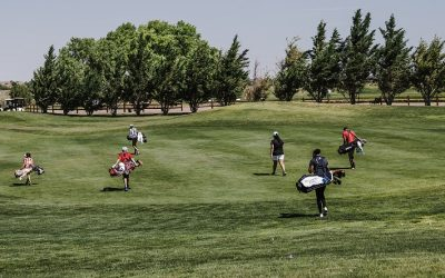 10 Things To Do While Golfing with Random Partners