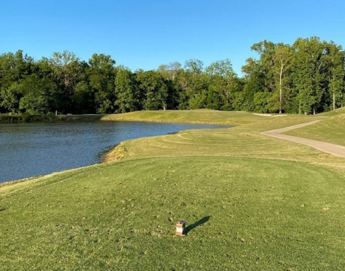 Skybrook Golf Course 16th hole in Huntersville, NC